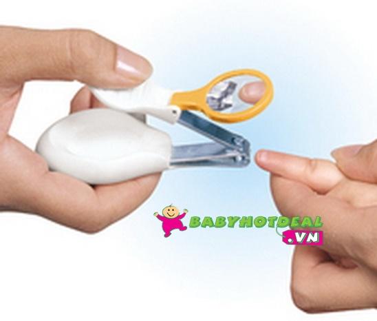 Cắt móng tay có kính lúp Safety First IH133